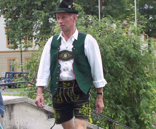 Germany traditional dress pictures
